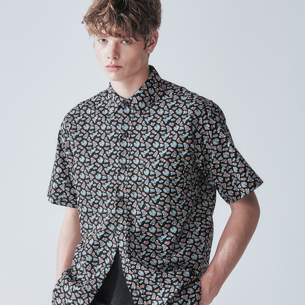 MULTI BLACK PAISLEY HALF SHIRT